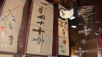 $20 Redwood 3 Story Jewelry Box and Jewelry