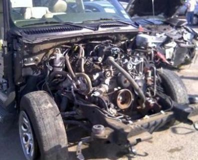 Purchase 2005 Escalade 62k 6.0L LQ9 Engine w/harness & Accessories motorcycle in Hewitt, Texas, US, for US $1,850.00