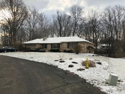 4 Bed 2.5 Bath Preforeclosure Property in Greenwood, IN 46142 - Briarwood Dr