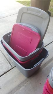 5 Bins with matching lids