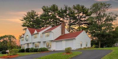Weymouth Home 5 bed/3.5 ba Colonial