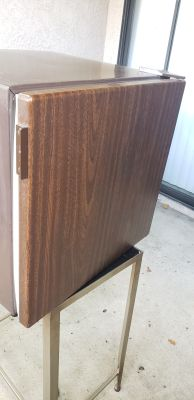 "Kenmore Tabletop Fridge, Mini Fridge, Dorm Fridge. Pre-owned. Minor scruffs, scratches, dings. See pictures. 18.5""H x 18.5""L x 19""W"