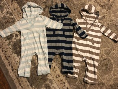 3 Old Navy brand hooded jumpers.
