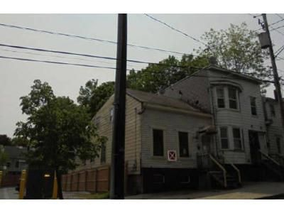 3 Bed 2 Bath Preforeclosure Property in Albany, NY 12202 - Myrtle Ave