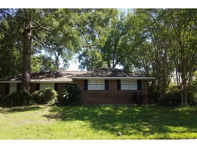 Preforeclosure Property in Baton Rouge, LA 70815 - Robin Hood Dr