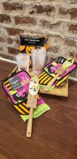 Lot of All New Halloween Kitchen and Party Supplies. Has 2 Sets of Kitchen Towels with Matching Oven Mitt & Silicone Pointed Spatula.
