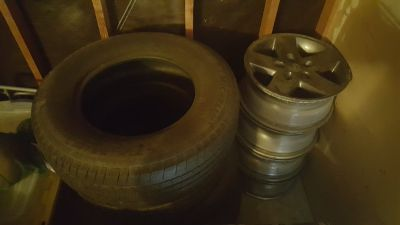 Set of 4 jeep wheels and matching tires