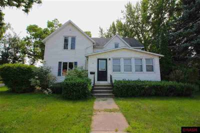 607 E Silver Street Mapleton Four BR, This remodeled 2 story