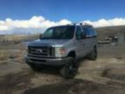 2014 Ford E-Series Van 4X4 E-350 Super Duty Quigley