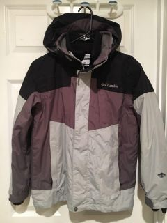 Columbia layered bugaboo winter heavy layered coat. 2 coats in one. Has the fleece one inside. See pic. Size boys large