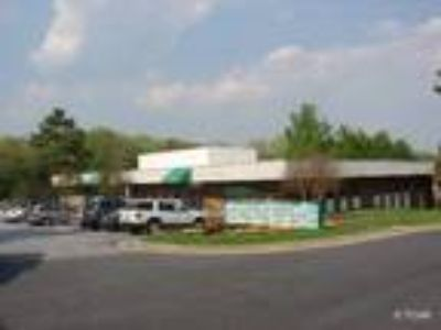 Raleigh, Great Midtown location with access via I-440 and
