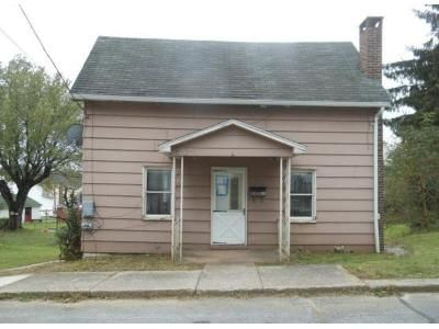 1 Bed 1 Bath Foreclosure Property in Gallitzin, PA 16641 - Quarry St