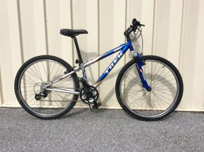 TREK 820 Mountain Bike