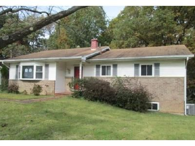 3 Bed 2 Bath Foreclosure Property in Temple Hills, MD 20748 - Wilkins Dr