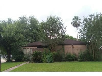 4 Bed 2 Bath Foreclosure Property in Houston, TX 77070 - Mills Cut St