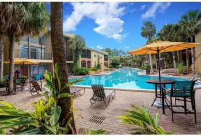 3 Beds - Villages of Baymeadows Apartments