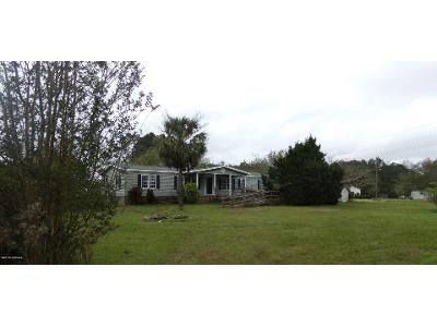 4 Bed 2 Bath Foreclosure Property in Bolivia, NC 28422 - Orchard Ln