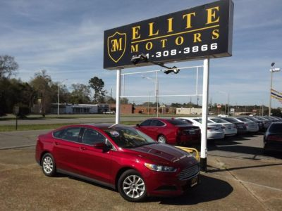 2016 Ford Fusion S (Red)