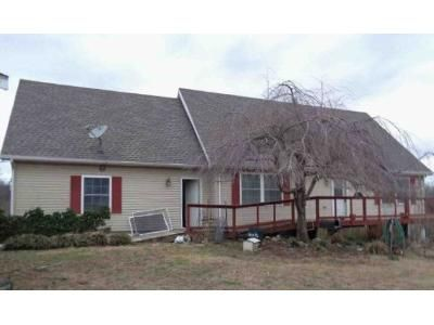 3 Bed 2.5 Bath Foreclosure Property in Grand Rivers, KY 42045 - Rolling Meadows Rd