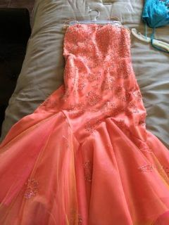 Formal dresses... In great condition