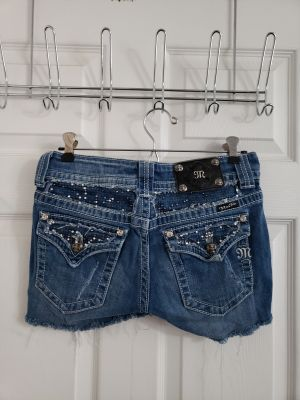 Miss Me Cutoff Jean Shorts Size 27 (Size 4/5)