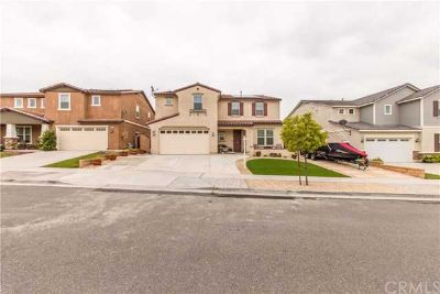 4743 Casillas Way FONTANA Four BR, Immaculate home in the Sierra