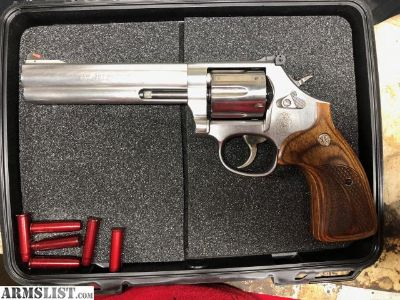 "For Sale: Smith and Wesson 686 6"" .357"