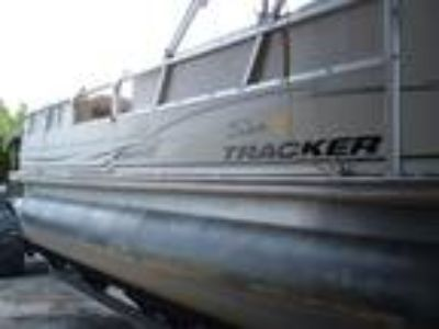 2004 Sun Tracker PARTY BARGE 22 Regency Edition