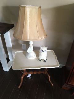 Adorable Vintage Table