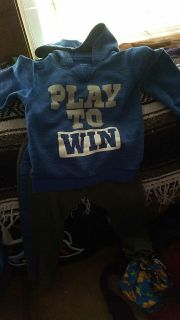 Carter's play to win hoodie and pants 4t