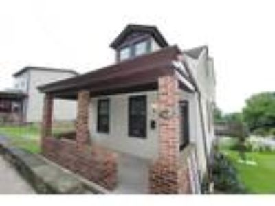 North Shore Area Four BR Two BA Only 5 Minutes from Downtown Pittsburgh - No Tun
