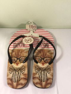 NWT So cat flip-flops size large