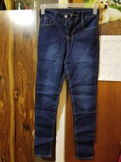 Girls size small jeans..long