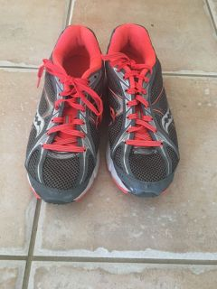 Saucony Ignition running shoes. Women size 8.5