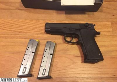 For Sale: S&W model 411 in .40S&W Like New Smith and Wesson 411 in original box