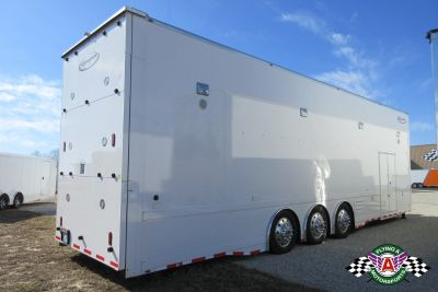 2017 38' Renegade Lift Gate Trailer