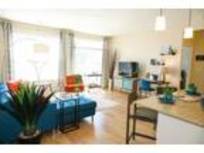 Monmouth Row Apartments - The Linden