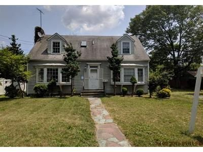 4 Bed 3 Bath Foreclosure Property in Oceanside, NY 11572 - Clark Ave