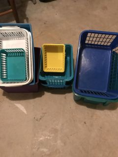14 storage containers, different sizes
