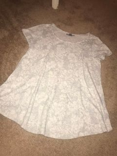 Large a pea in the pod maternity top