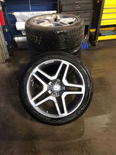 "21"" Mercedes-Benz Wheels w/ Continental CrossContact UHP Tires"