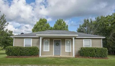 Adorable 2 Bed 2 Bath Home in Fairhope, Alabama