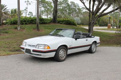 1989 Ford Mustang LX 5.0 (White)
