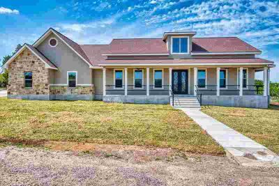 117 Williams Dr Kerrville Three BR, Stunning views are just the