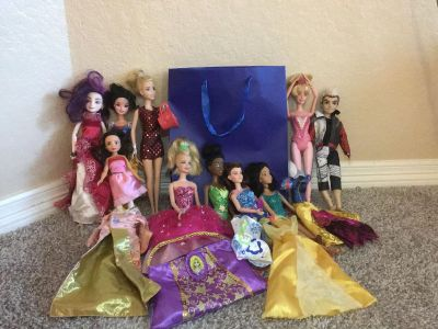 Grab a bag! Dolls and doll items!