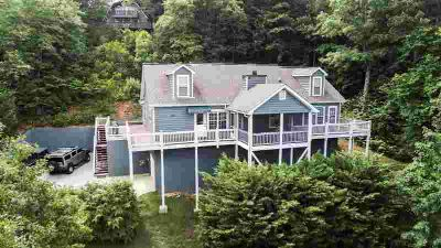 300 E Sugarbush 22 Dillard Five BR, Enjoy the peaceful setting