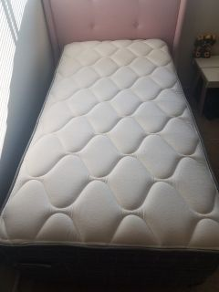 Twin bed(mattress and box spring, frame and headboard