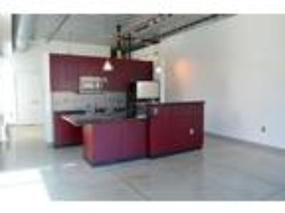 Central Square; Luxury Living Steps To Central Sq***