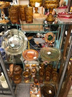 Beautiful vintage glassware, jewelry and collectibles