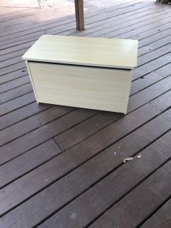 30x16x17 toy box. Good condition. Hinged so it won t smash fingers.